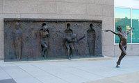 25 самых необычных скульптур и статуй со всего мира