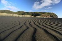 6 самых фантастических черных пляжей невероятной красоты
