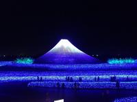 Необычайное световое представление в Японии