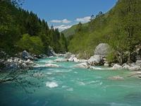 Самая чистая и светлая река Соча, с водой цвета неба
