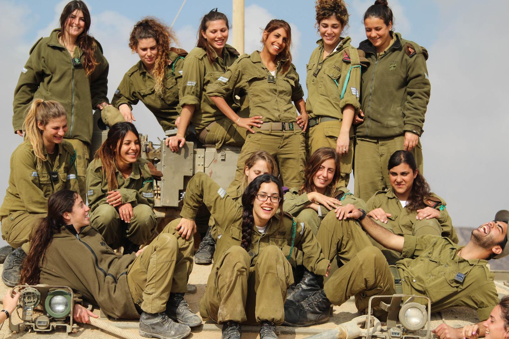 Фото девушек армии израеля фото 643-587