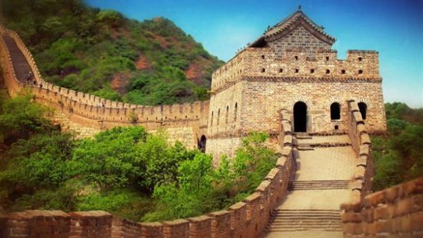 a history of the building of the great wall of china as protection against outside threats