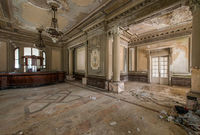 Это заброшенное казино — одно из самых роскошных зданий Румынии