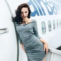 12 самых сексуальных латвийских стюардесс снялись для супер-календаря на 2016 год