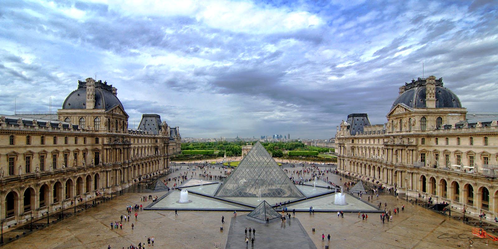 лувр фото музей в париже