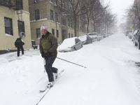 15 сумасшедших снимков о том, как Америку завалило снегом