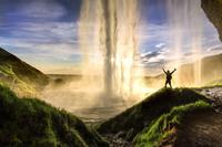 Гипнотизирующие водопады Исландии — нереальная красота!