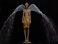 Польский скульптор творит потрясающие скульптуры, частью которых является вода