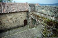 Город Флинстоунов в Португалии