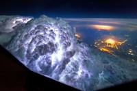 11 умопомрачительных фото о том, как выглядит гроза изнутри