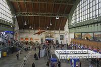 Информационные справочные и автоматы для покупки билетов на поезда