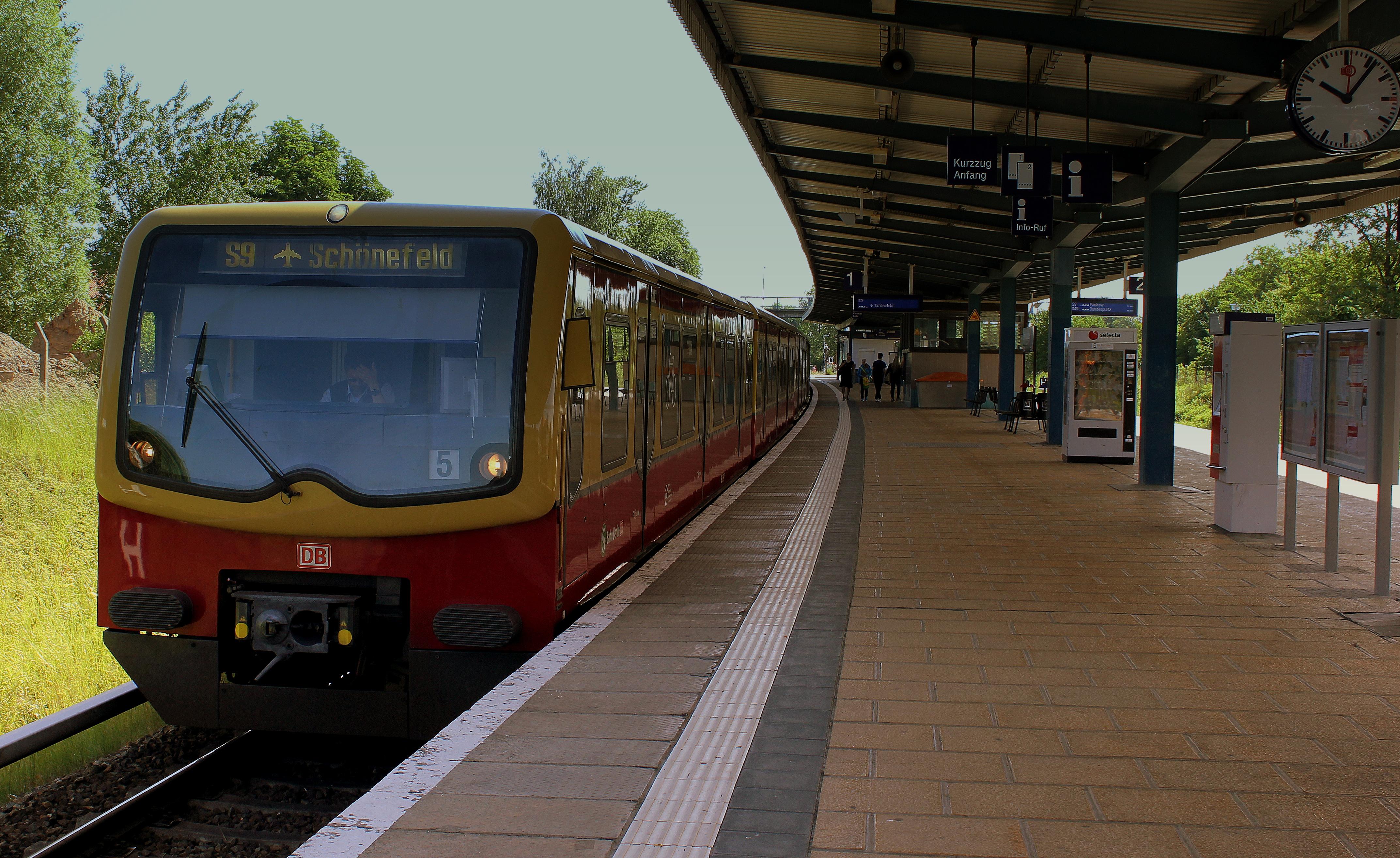 Картинки по запросу берлин поезд