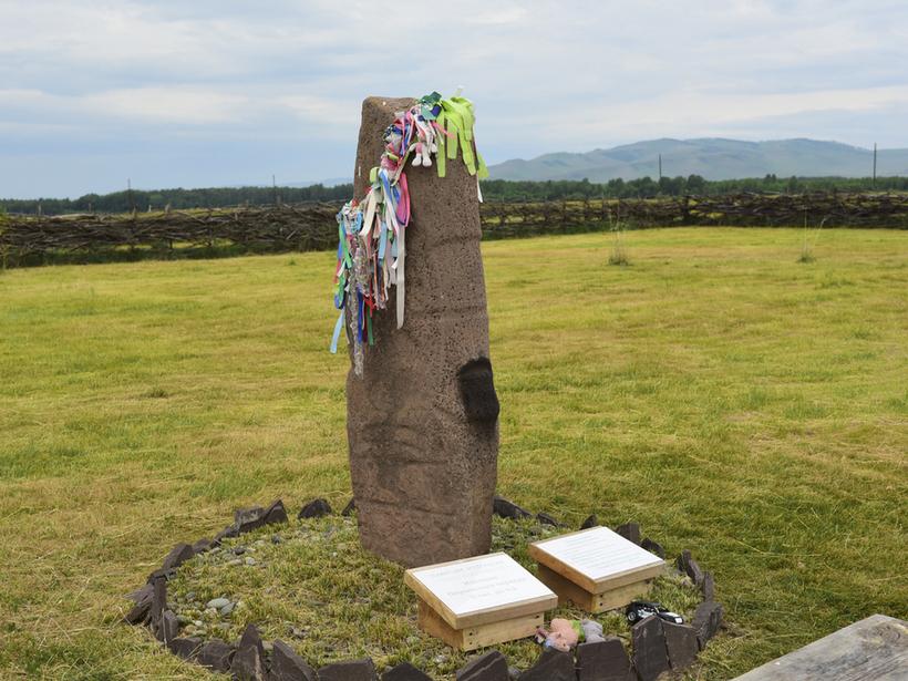 памятники на могилу в кирове адреса