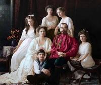 25 невероятных раскрашенных снимков о том, как жили русские люди в 1900-1965 годах