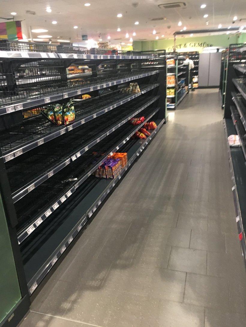 Немецкий супермаркет убрал импортную еду с полок, чтобы показать, что такое расизм
