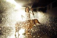 10 удивительных фото: как дети по всему миру проводили лето вдалеке от технологий