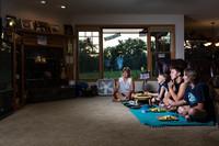 Фотограф показала, как отличаются ужины в разных домах по всем США