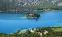 10 самых маленьких в мире островов, на которых живут люди