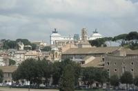 Piazza Venezia издалека