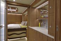 Самый фантастический дом на колесах с собственным гаражом и машиной внутри