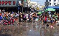 Сонгкран - водяные бои, апрель 2017