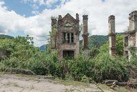26 фотографий послевоенной Абхазии, рассказывающих о былой роскоши