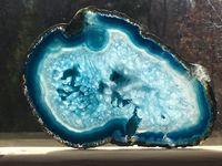 Удивительная жеода: как аметисты и хрусталь растут внутри обыкновенных камней