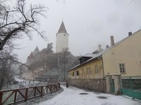 Замки в феврале выглядят особенно сурово