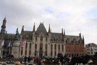 На Рыночной площади в Брюгге