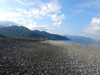 Батуми, пляж Гонио в ожидании туристов