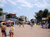 Болгария, Солнечный берег — на улице курорта