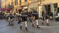 Парад на празднике Capodanno Pisano