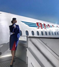 Небесная красота: самые ослепительные стюардессы России