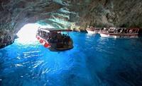 Голубая пещера в заливе