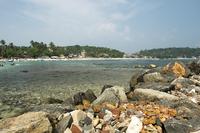 Унаватуна: каменистый берег курортного местечка