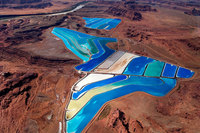 Для чего создали фантастически красивые пруды в пустыне штата Юта