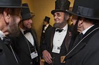 Съезд Линкольнов, русалок и единорогов: странные увлечения американцев в фотографиях