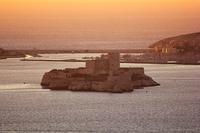 10 самых красивых замков во Франции