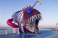 Самый большой лайнер в мире и все, что нужно для роскошного морского круиза