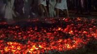 Игитун Чалне, хождение по углям