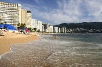 Мексика, пляж Икакос в Акапулько