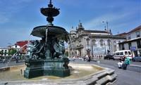 Порту: прогулка по городу в погожий день (площадь Carlos Alberto).