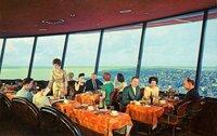 СССР vs США: как отдыхали люди в ресторанах по разные стороны «железного занавеса»