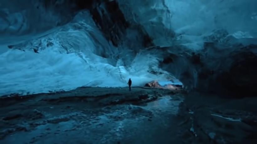 Видеопутешествие по ледяной пещере Скафтафетль в Исландии